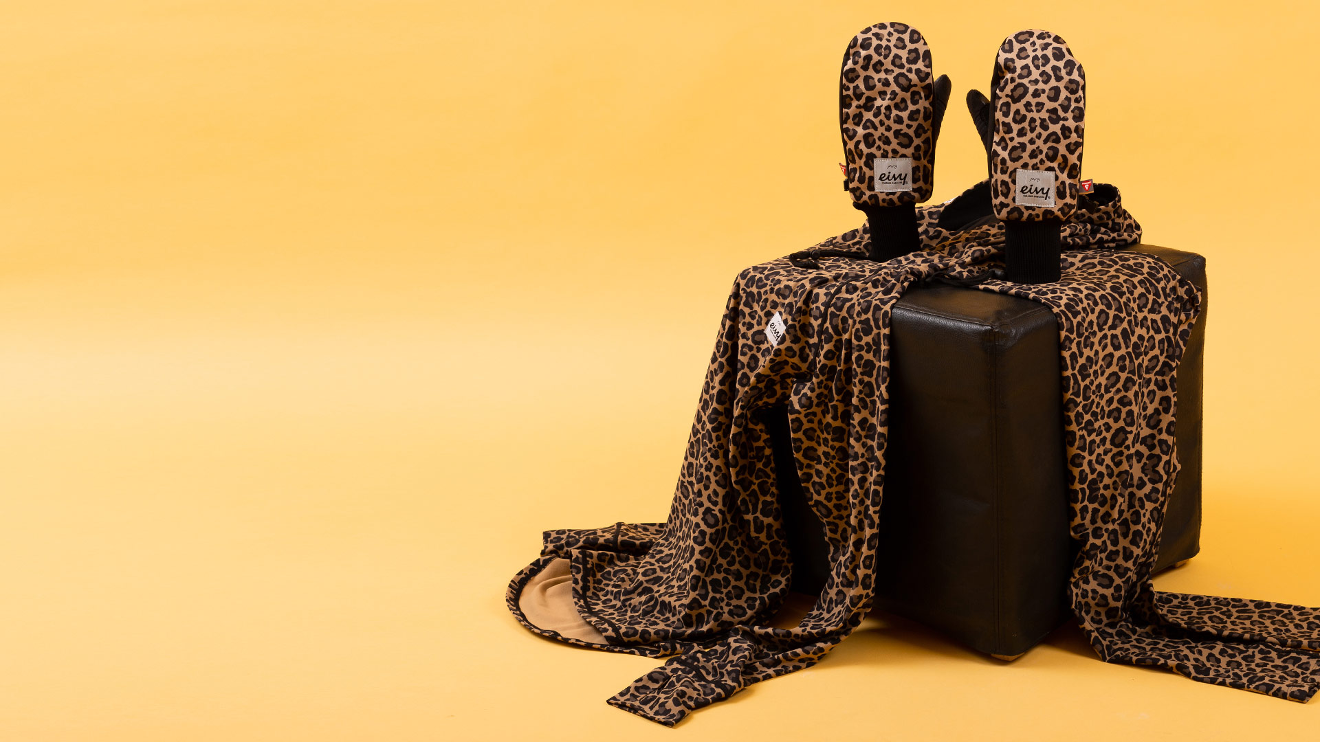 slider-image-https://www.eivyclothing.com/image/3738/Transform-x-Eivy-Mittens-Shopbyprint-leopard.jpg